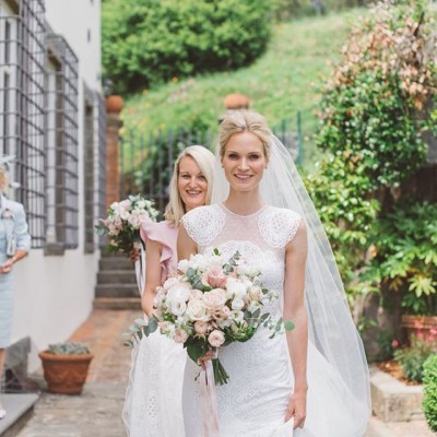 The beautiful bride, what an absolute pleasure being part of their fantastic wedding day #italy #lucca #weddinghair